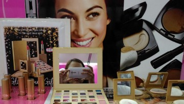 Avon 24K Gold Ultra Color Lipsticks + Sneak Peek of Avon 24K Gold Collection
