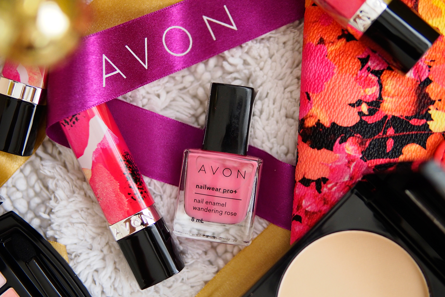 AVON BELLE IN BLOOM COLLECTION NAILS