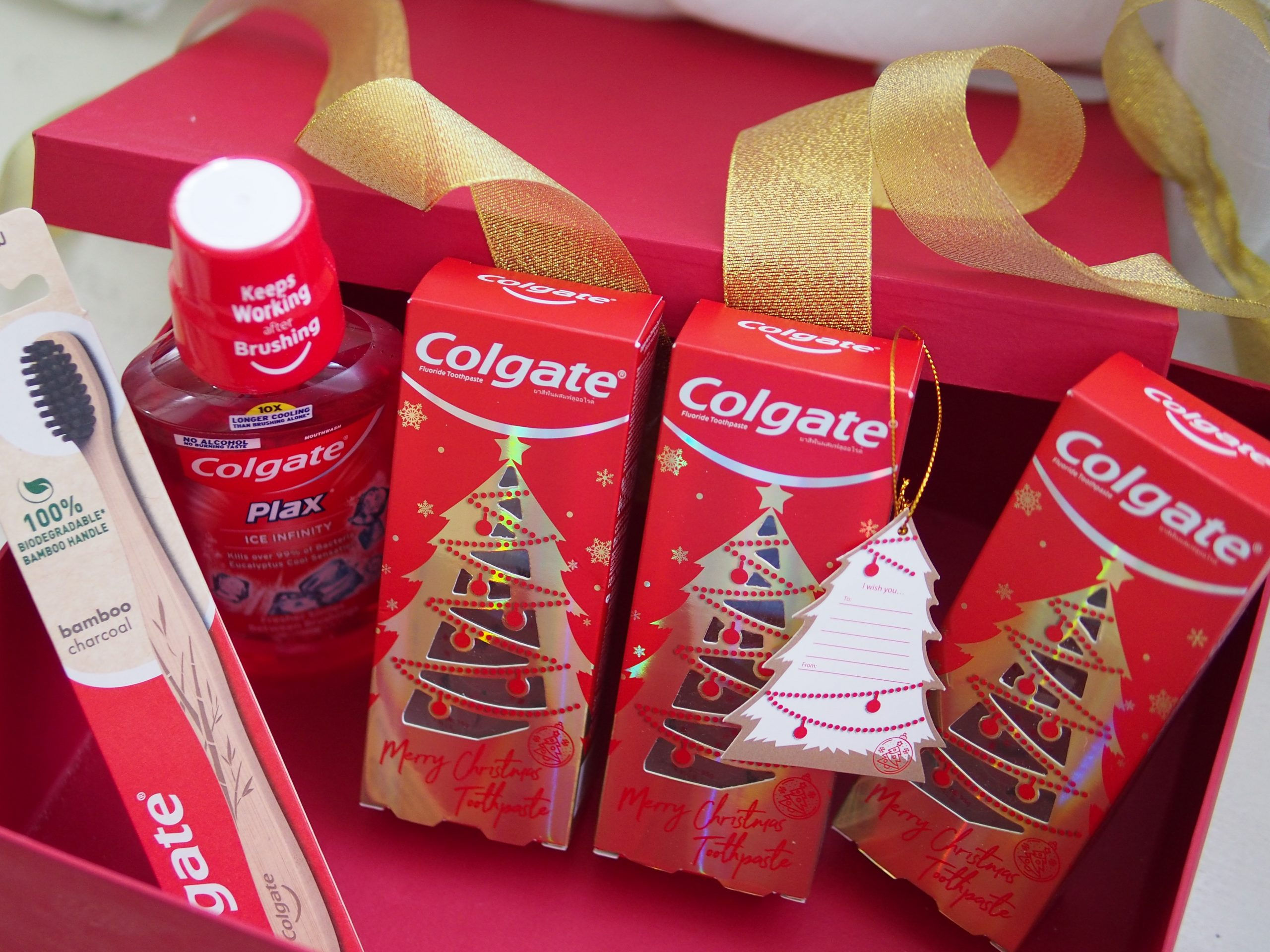 Celebrate with the Colgate Christmas Toothpaste: Giving the Gift of a Colgate Smile this Season